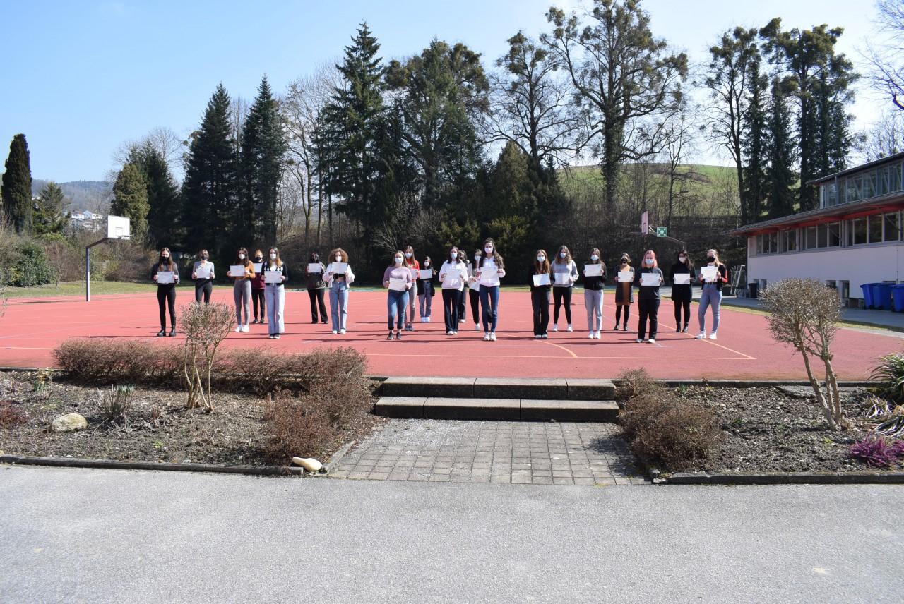 Erfolgreiche Ergebnisse der DELF-Prüfungen für unsere Schülerinnen