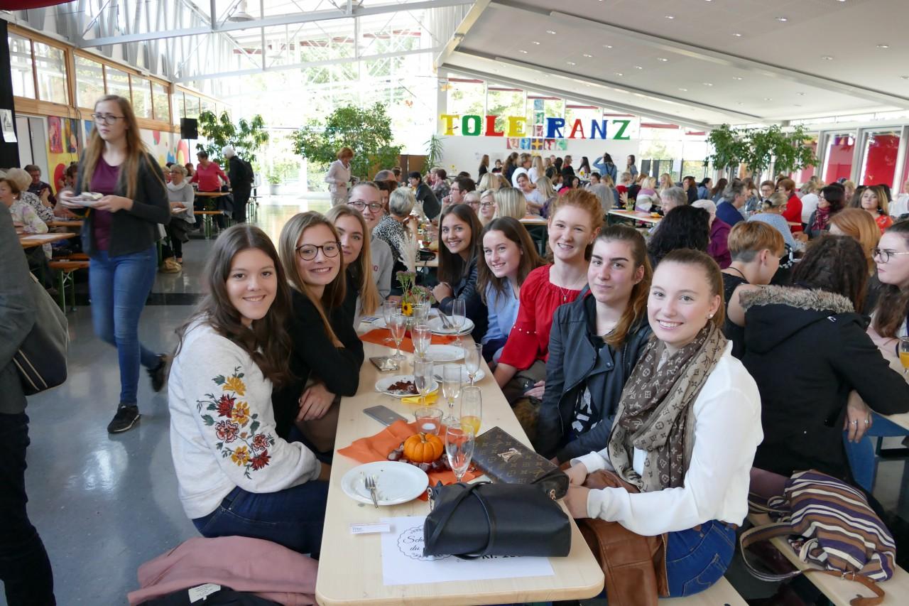Unsere Schule feierte elftes Ehemaligentreffen